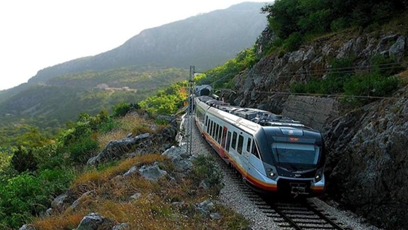 Черногорский поезд