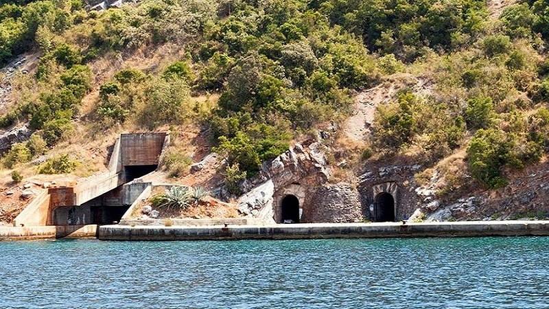 У тоннеля