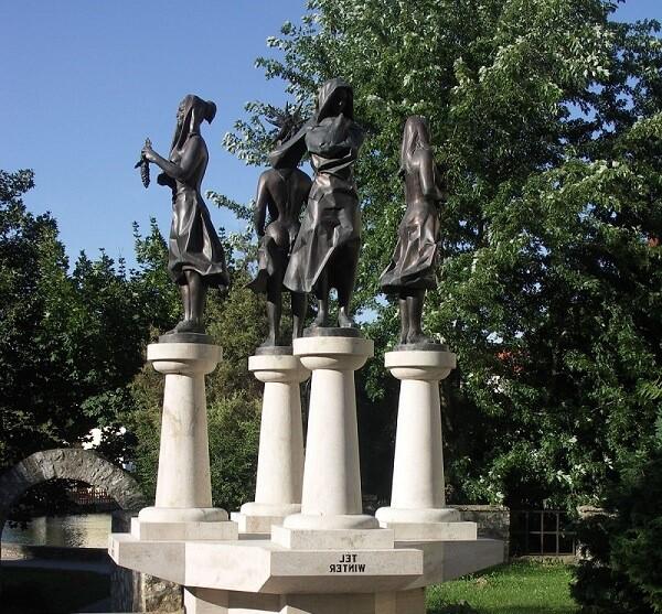 Скульптура Четыре сезона