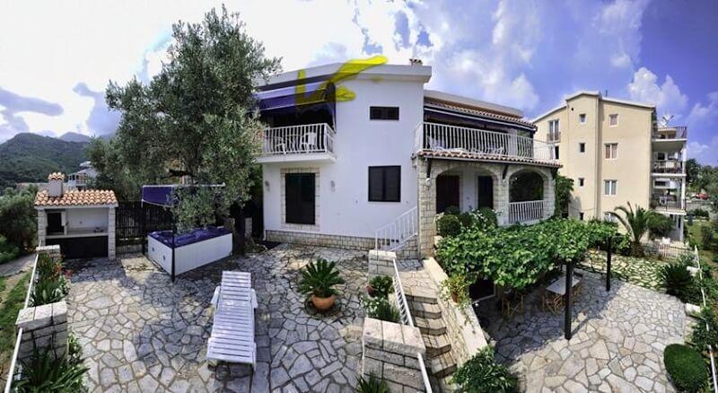 villa mona cat
