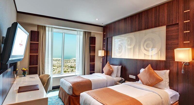Поведение туристов в отелях Дубая