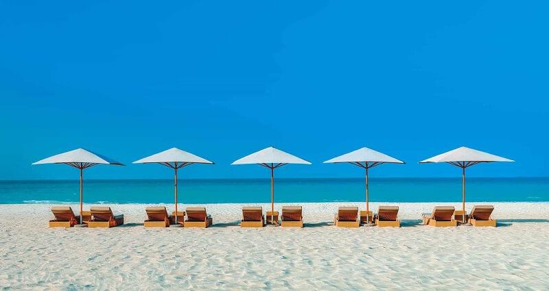 Пляжная зона гостиницы Park Hyatt
